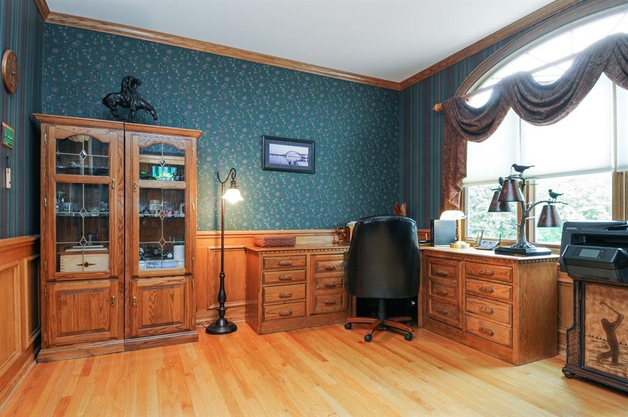 Real Estate Photography - 10615 Burnham Court, Naperville, IL, 60564 - Office
