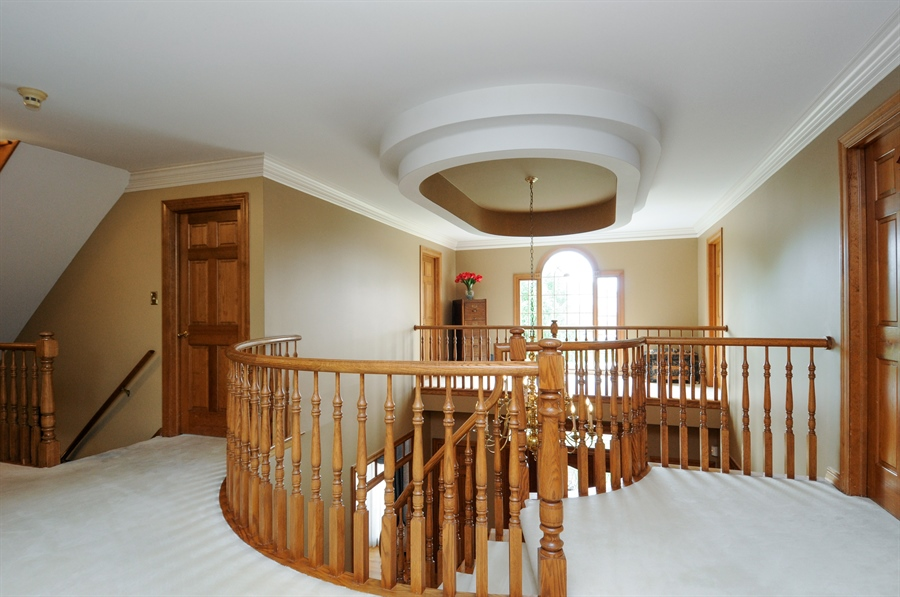 Real Estate Photography - 10615 Burnham Court, Naperville, IL, 60564 - Hallway