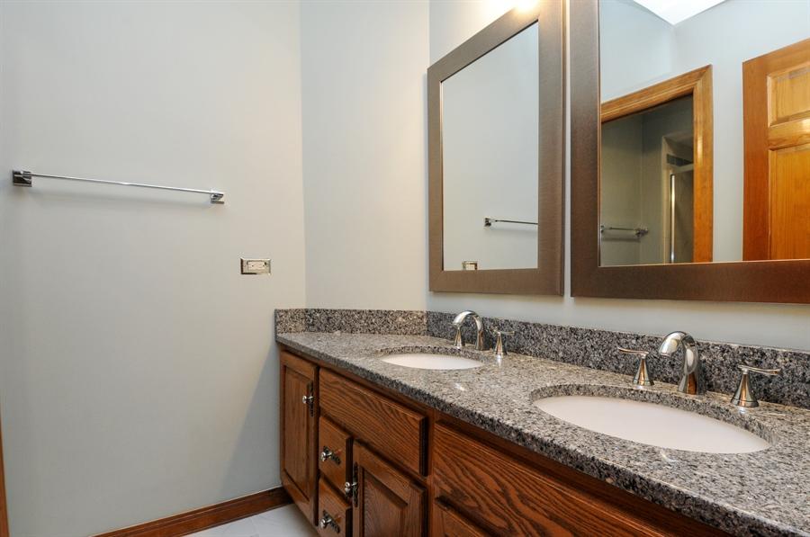 Real Estate Photography - 10615 Burnham Court, Naperville, IL, 60564 - 2nd Bathroom