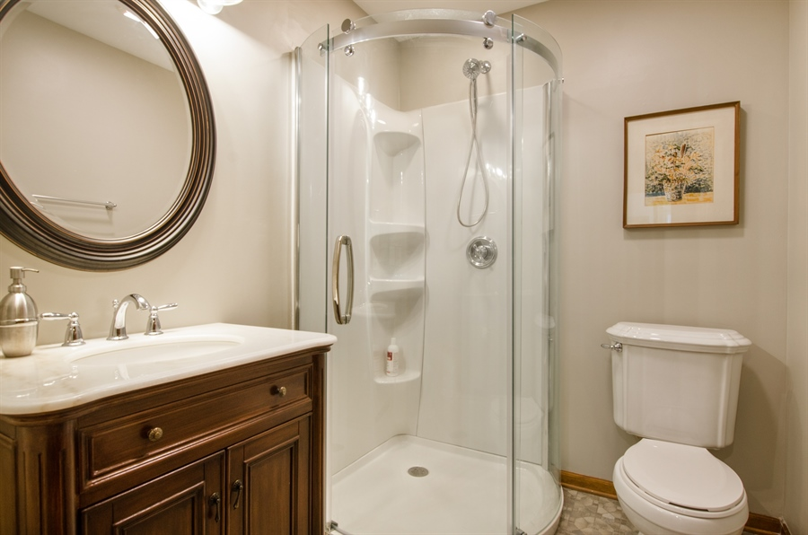 Real Estate Photography - 17N385 Binnie Lakes Trail, West Dundee, IL, 60118 - 3rd Bathroom