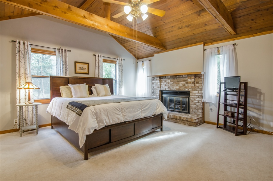 Real Estate Photography - 17N385 Binnie Lakes Trail, West Dundee, IL, 60118 - Master Bedroom