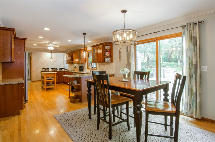 Real Estate Photography - 17N385 Binnie Lakes Trail, West Dundee, IL, 60118 - Kitchen / Breakfast Room