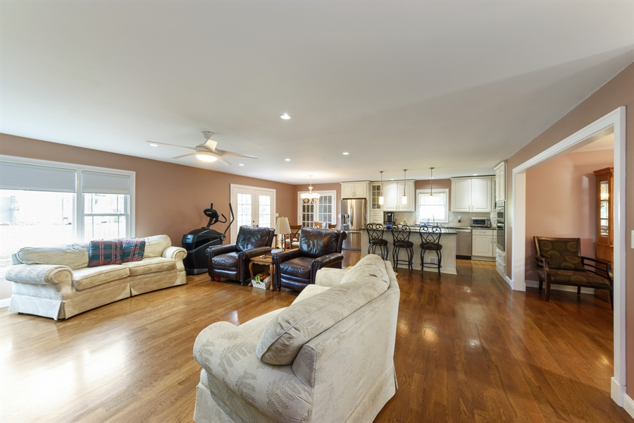 Real Estate Photography - 4040 N. Harvard Avenue, Arlington Heights, IL, 60004 - Great room