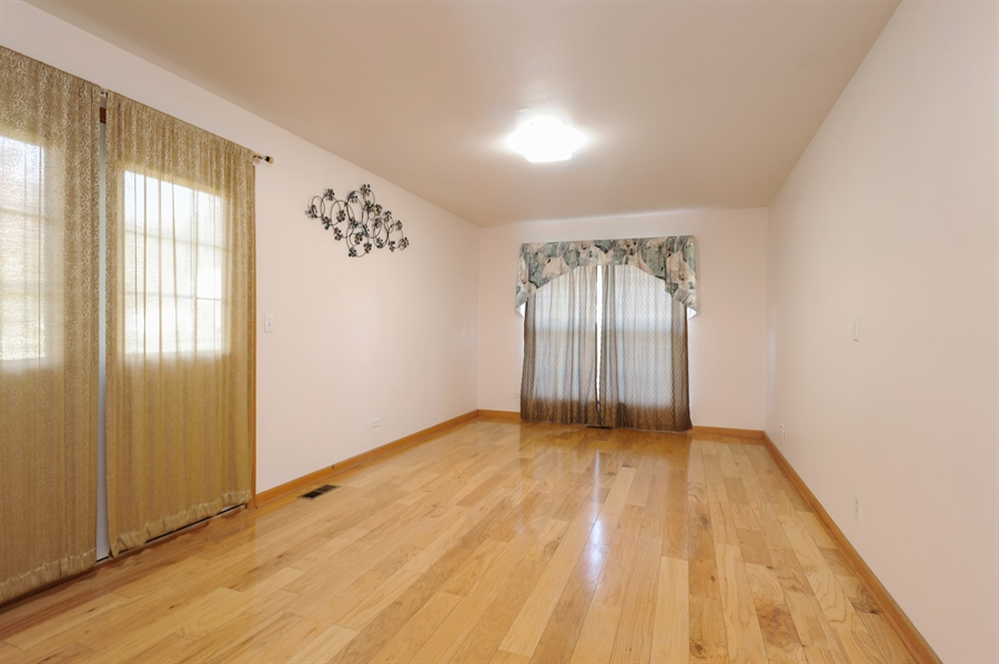 Real Estate Photography - 7235 PRESIDENTIAL Drive, Gurnee, IL, 60031 - First Floor Bedroom, In-Law Arrangement or Office
