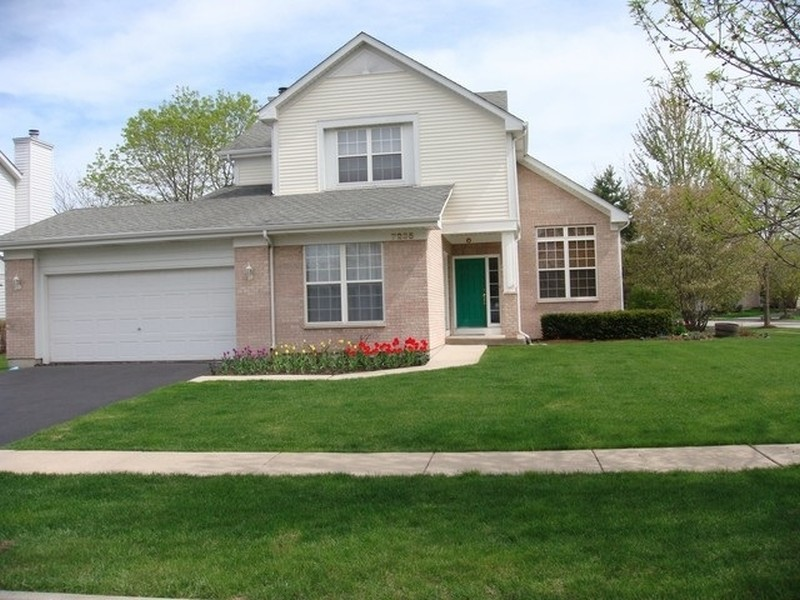 Real Estate Photography - 7235 PRESIDENTIAL Drive, Gurnee, IL, 60031 - Front View