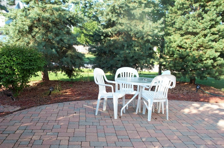 Real Estate Photography - 7235 PRESIDENTIAL Drive, Gurnee, IL, 60031 - Brick Paver Rear Patio