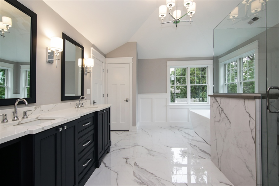 Real Estate Photography - 1719 Maplewood Lane, Glenview, IL, 60025 - Master Bathroom