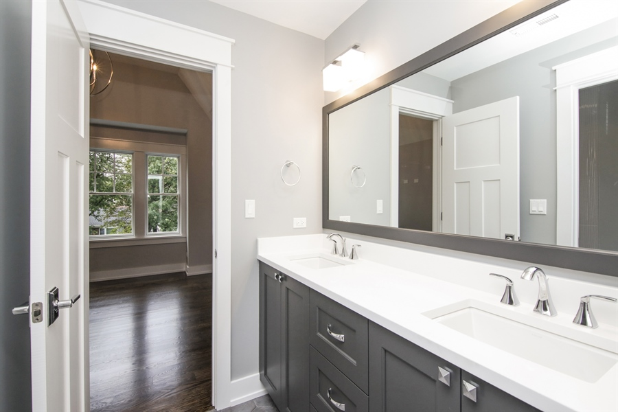 Real Estate Photography - 1719 Maplewood Lane, Glenview, IL, 60025 - Bathroom