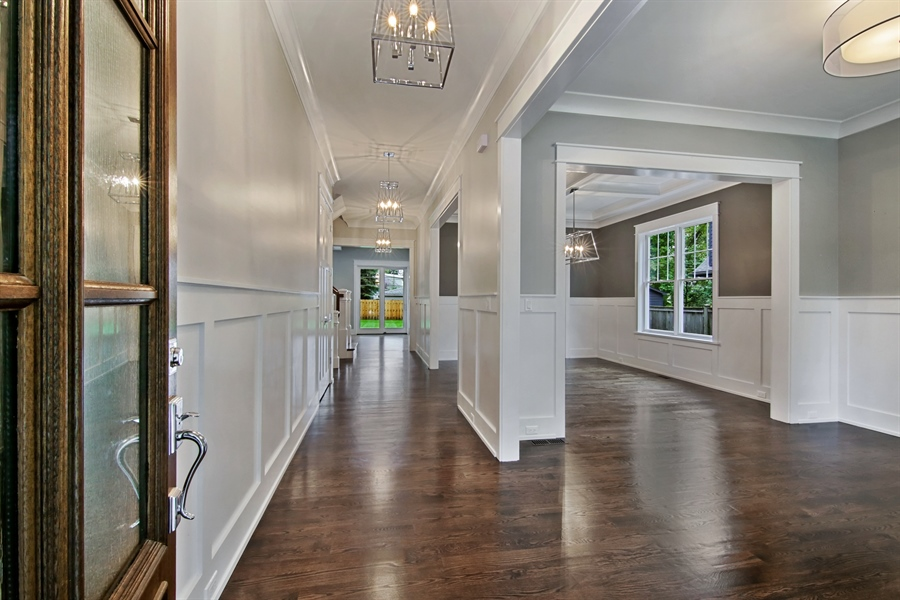 Real Estate Photography - 1719 Maplewood Lane, Glenview, IL, 60025 - Entryway