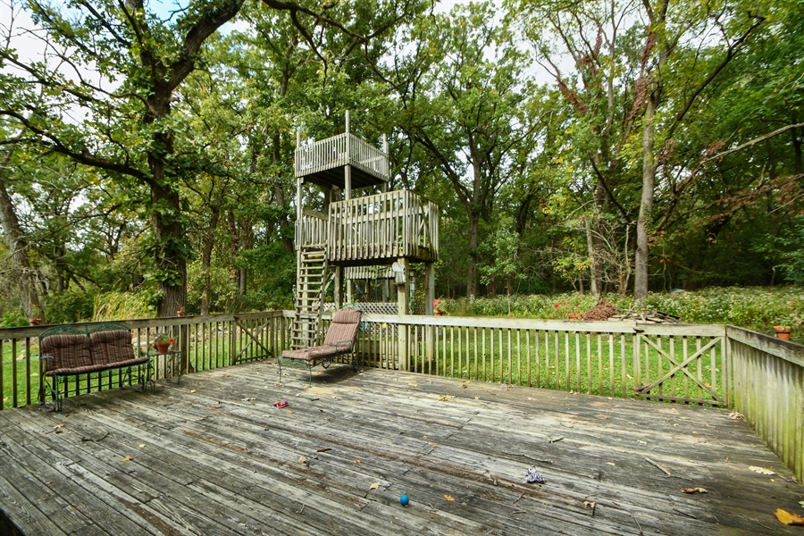 Real Estate Photography - 5620 171st Place, Tinley Park, IL, 60477 - Deck