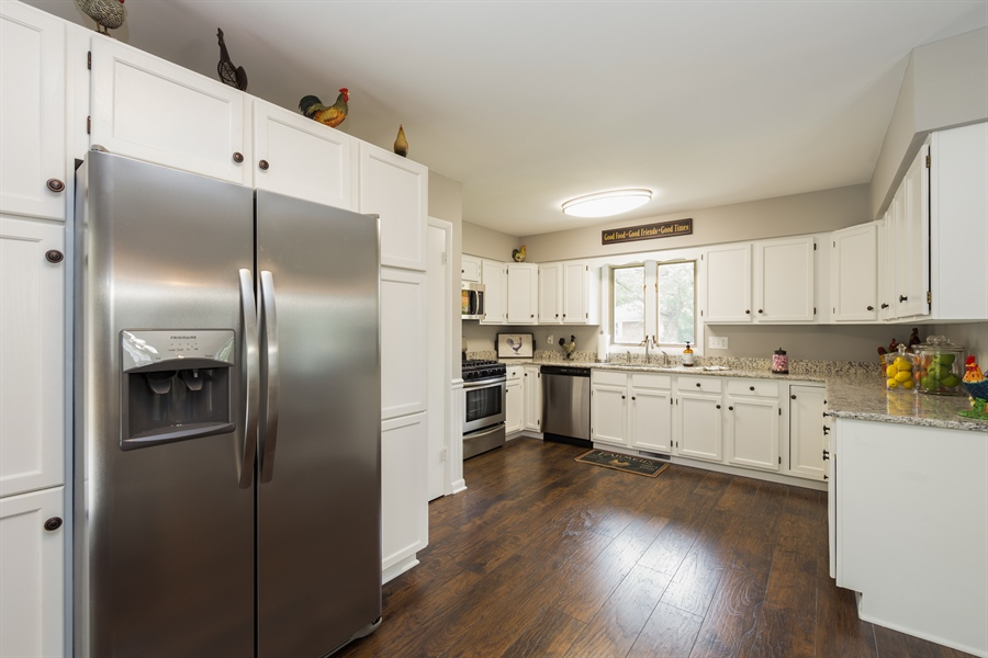 Real Estate Photography - 2279 Copley Street, Aurora, IL, 60506 - Kitchen