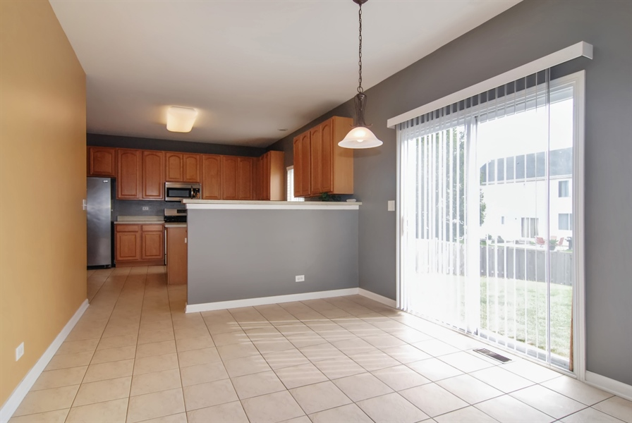 Real Estate Photography - 8210 Claridge Dr, Joliet, IL, 60431 - Kitchen / Breakfast Room