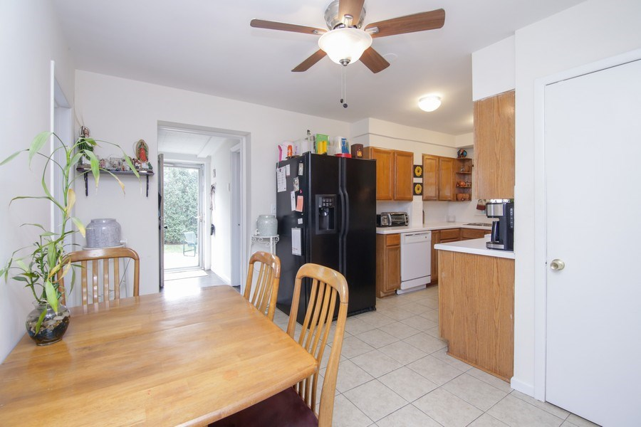 Real Estate Photography - 237 Prairie Avenue, Highwood, IL, 60040 - Kitchen / Breakfast Room
