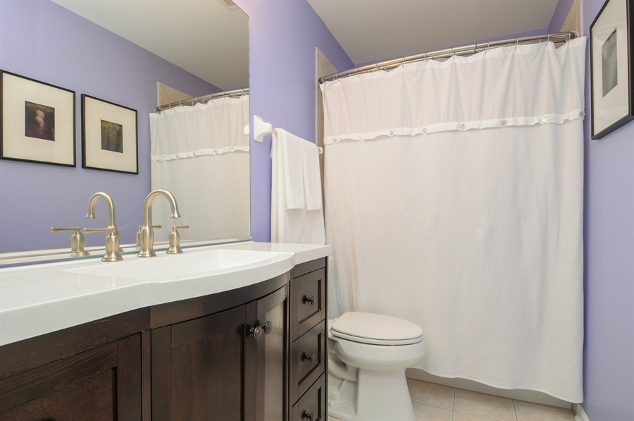 Real Estate Photography - 12027 Winterberry Lane, Plainfield, IL, 60585 - 2nd Bathroom