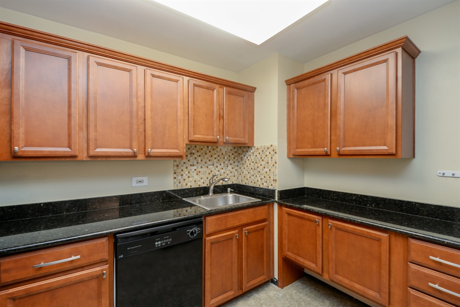 Real Estate Photography - 233 E. Erie Street, Unit 1110, Chicago, IL, 60611 - Kitchen