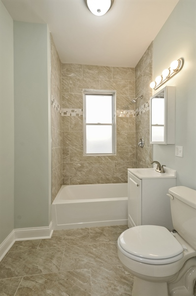Real Estate Photography - 1515 N. Linder Avenue, Chicago, IL, 60651 - Bathroom