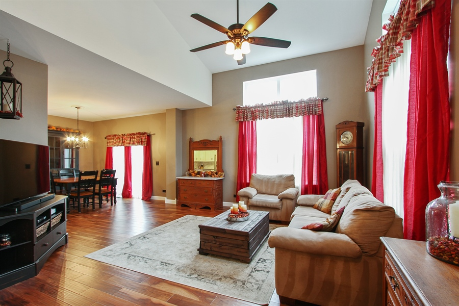 Real Estate Photography - 745 Dillon Court, Grayslake, IL, 60030 - Living Room / Dining Room