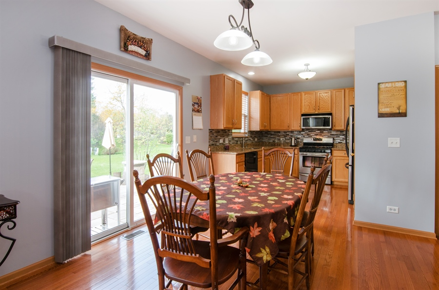 Real Estate Photography - 265 ALPINE Drive, Gilberts, IL, 60136 - Kitchen / Breakfast Room