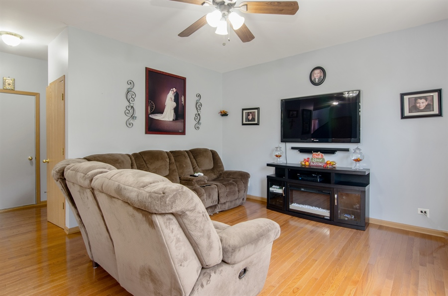 Real Estate Photography - 265 ALPINE Drive, Gilberts, IL, 60136 - Family Room