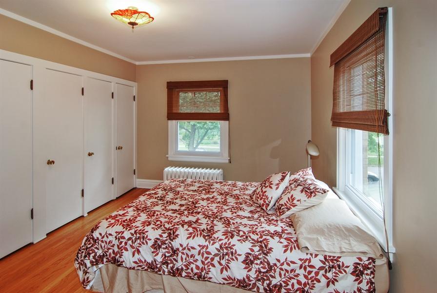 Real Estate Photography - 945 N. Elmwood Avenue, Oak Park, IL, 60302 - 2nd Bedroom