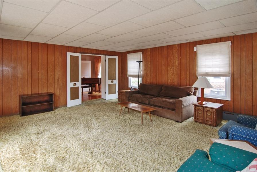 Real Estate Photography - 945 N. Elmwood Avenue, Oak Park, IL, 60302 - Family Room