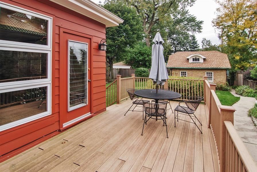 Real Estate Photography - 945 N. Elmwood Avenue, Oak Park, IL, 60302 - Deck