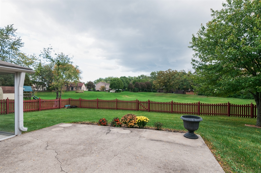 Real Estate Photography - 2287 Albright Lane, Wheaton, IL, 60189 - Back Yard