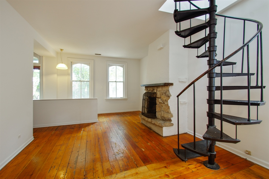 Real Estate Photography - 1015 W. WOLFRAM Street, Chicago, IL, 60657 - Living Room