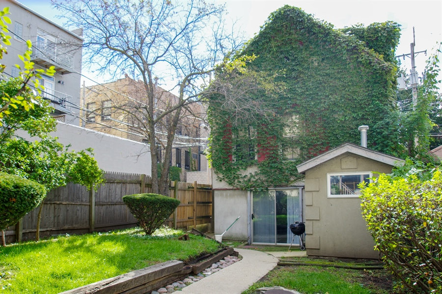 Real Estate Photography - 1015 W. WOLFRAM Street, Chicago, IL, 60657 - Carriage House