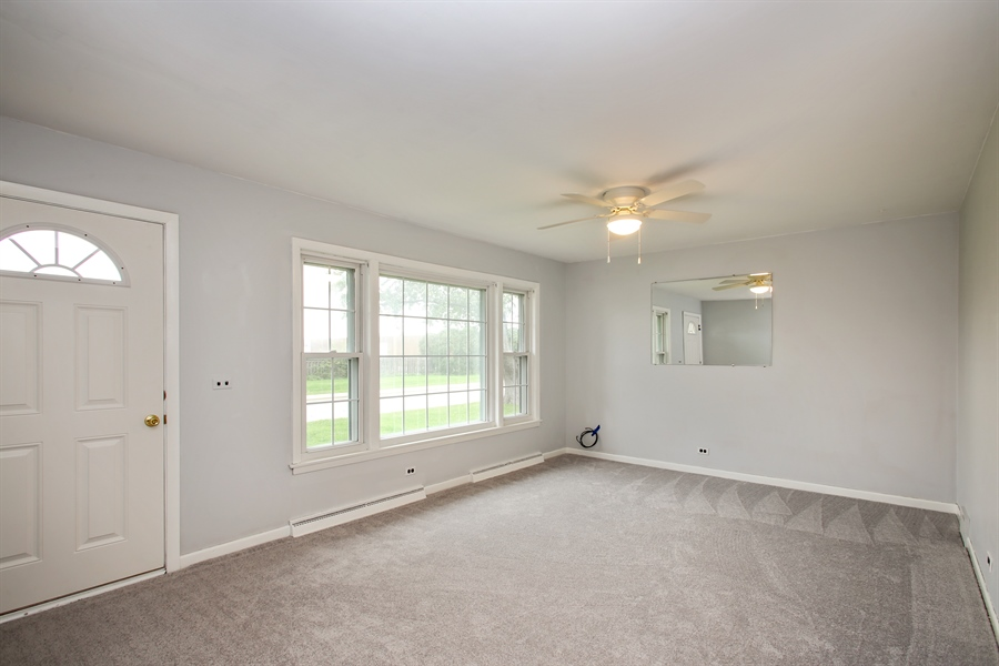 Real Estate Photography - 805 Dierking Terrace, Elk Grove Village, IL, 60007 - Living Room