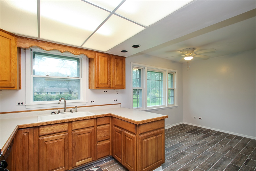 Real Estate Photography - 805 Dierking Terrace, Elk Grove Village, IL, 60007 - Kitchen
