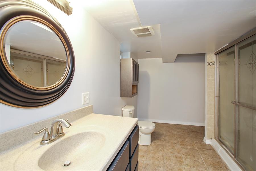 Real Estate Photography - 805 Dierking Terrace, Elk Grove Village, IL, 60007 - 2nd Bathroom