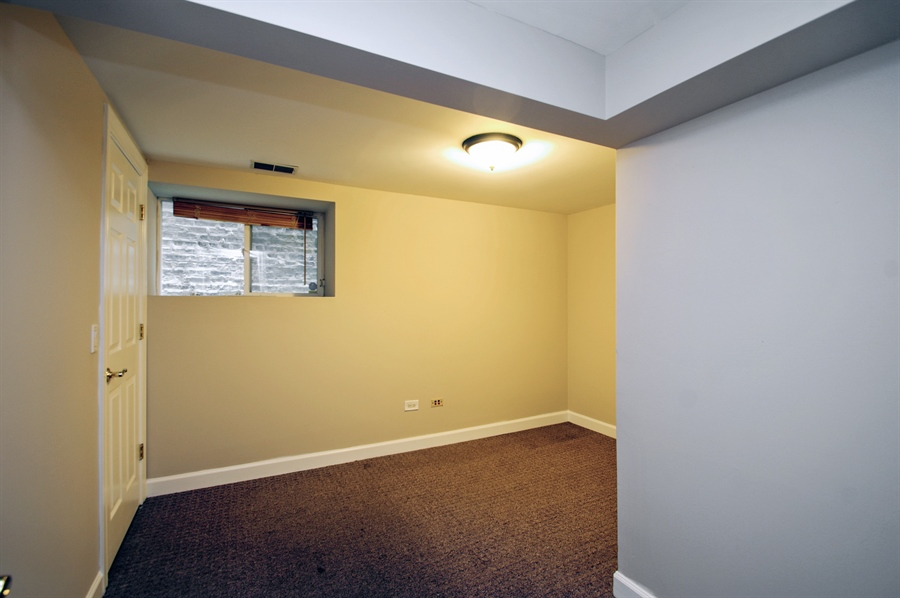 Real Estate Photography - 945 West Agatite Ave, G, Chicago, IL, 60640 - 3rd Bedroom