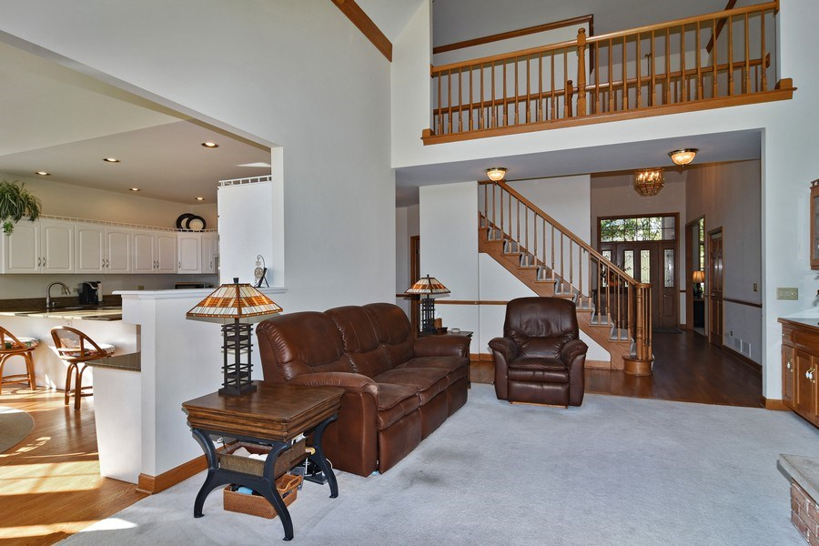 Real Estate Photography - 1521 Pendelton Court, Palatine, IL, 60067 - Family Room