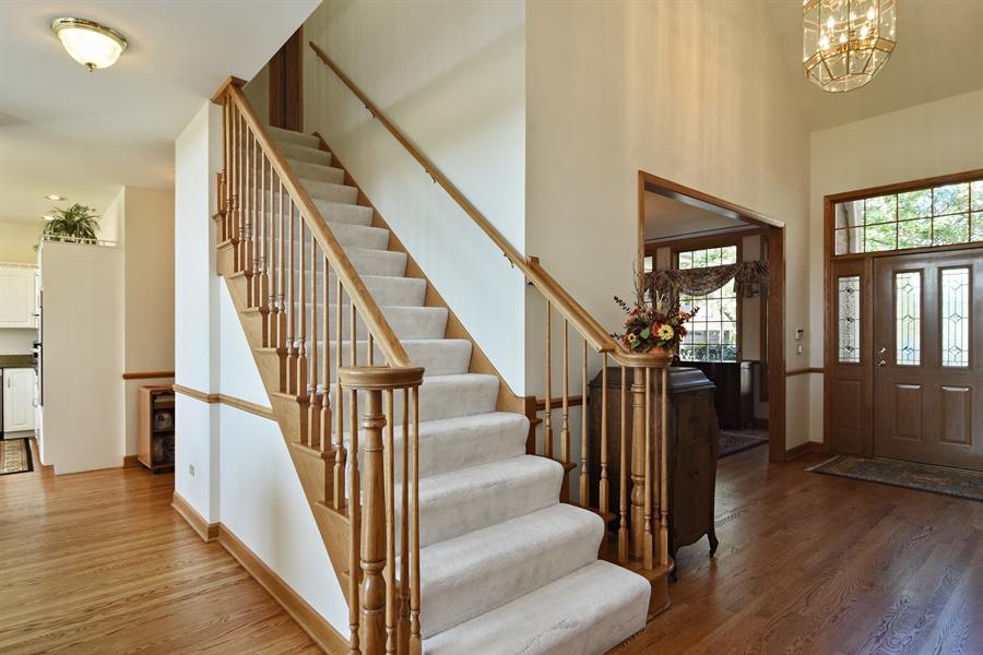 Real Estate Photography - 1521 Pendelton Court, Palatine, IL, 60067 - Foyer