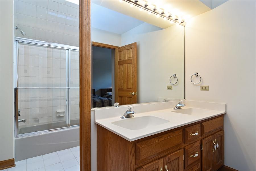 Real Estate Photography - 1521 Pendelton Court, Palatine, IL, 60067 - Bathroom