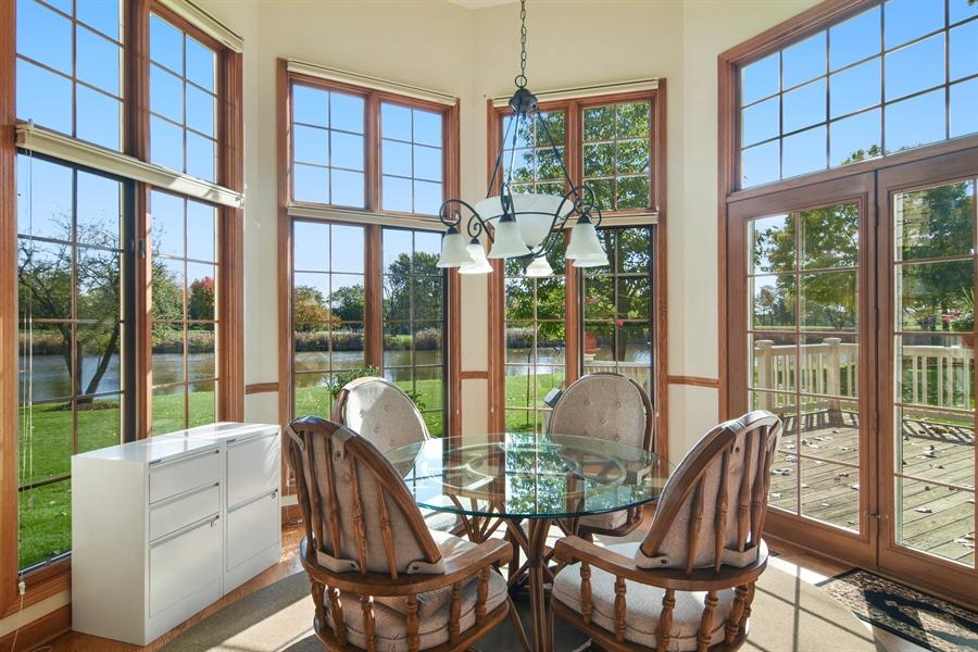 Real Estate Photography - 1521 Pendelton Court, Palatine, IL, 60067 - Breakfast Nook
