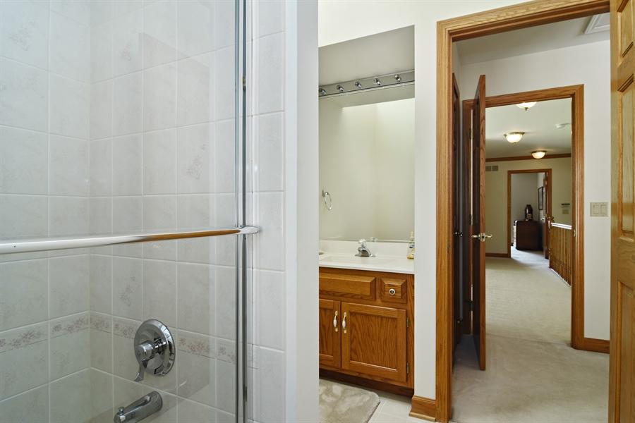 Real Estate Photography - 1521 Pendelton Court, Palatine, IL, 60067 - 2nd Bathroom
