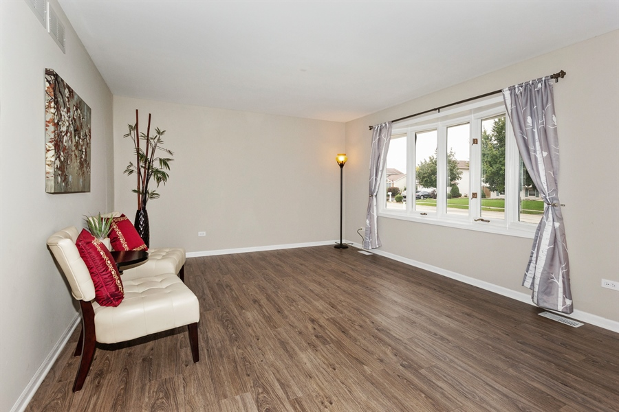 Real Estate Photography - 2114 Lolo Pass Drive, Plainfield, IL, 60586 - Living Room