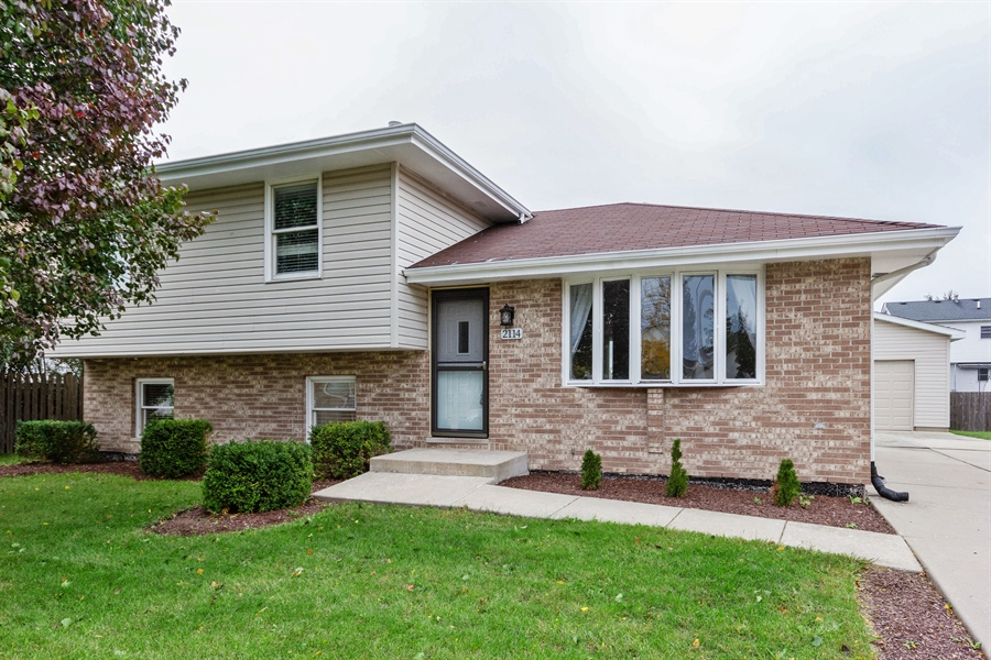 Real Estate Photography - 2114 Lolo Pass Drive, Plainfield, IL, 60586 - Front View