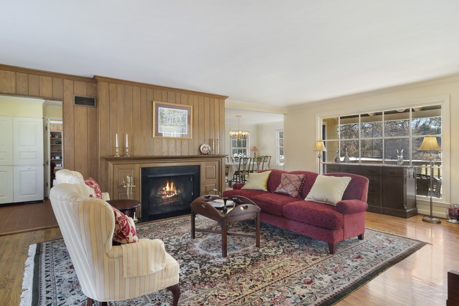 Real Estate Photography - 350 Cumnock Road, Inverness, IL, 60067 - Living Room