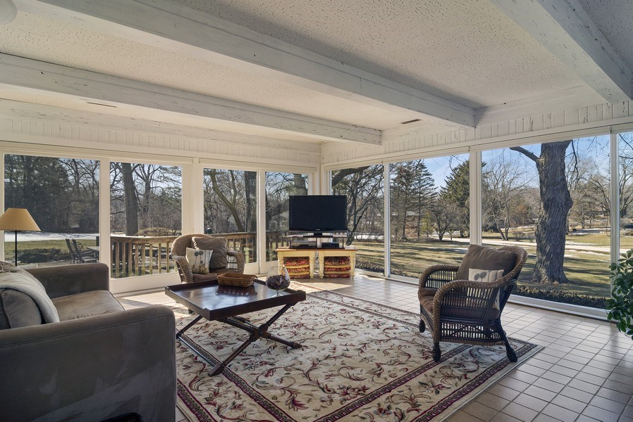 Real Estate Photography - 350 Cumnock Road, Inverness, IL, 60067 - Sun Room