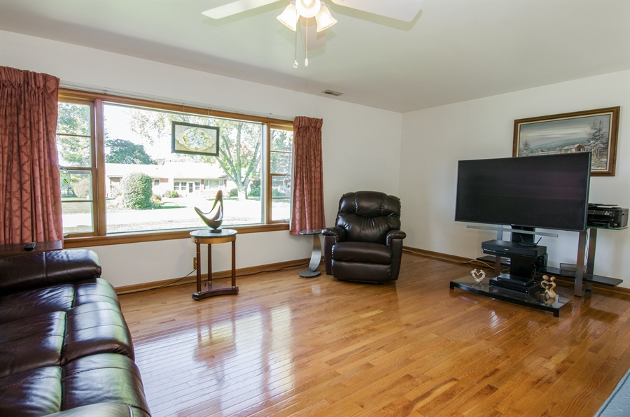 Real Estate Photography - 100 Carpenter Boulevard, Carpentersville, IL, 60110 - Living Room