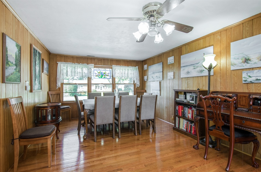 Real Estate Photography - 100 Carpenter Boulevard, Carpentersville, IL, 60110 - Dining Room