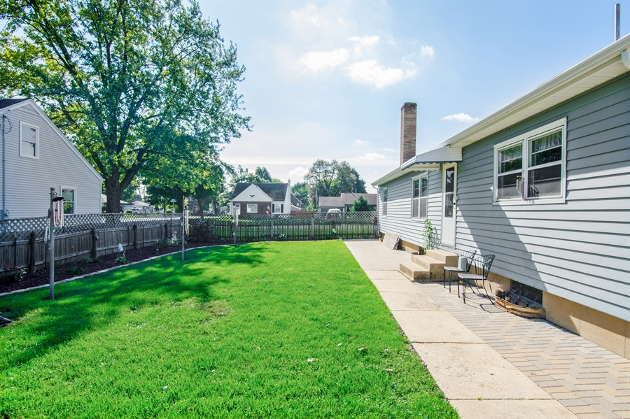 Real Estate Photography - 100 Carpenter Boulevard, Carpentersville, IL, 60110 - Side View