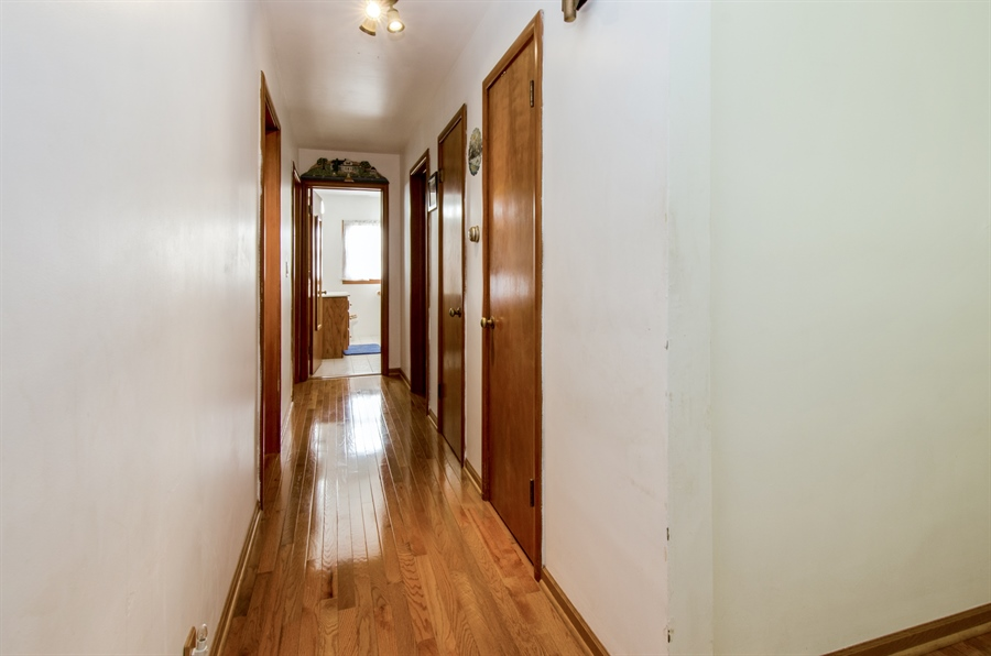 Real Estate Photography - 100 Carpenter Boulevard, Carpentersville, IL, 60110 - Hallway