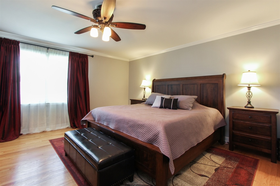Real Estate Photography - 1127 Fairlawn Avenue, Libertyville, IL, 60048 - Master Bedroom