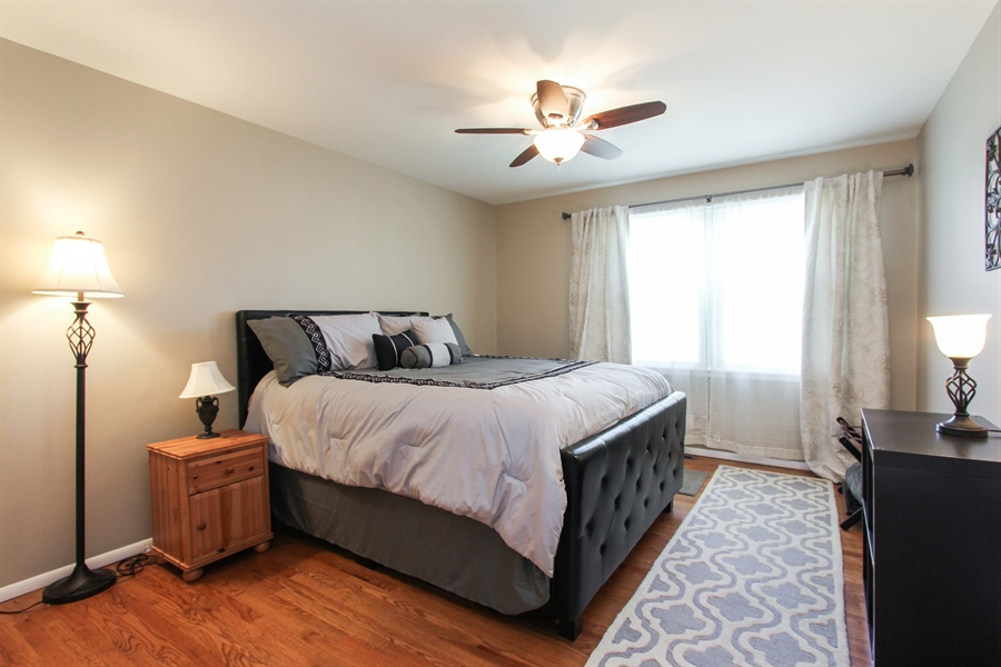 Real Estate Photography - 1127 Fairlawn Avenue, Libertyville, IL, 60048 - 2nd Bedroom
