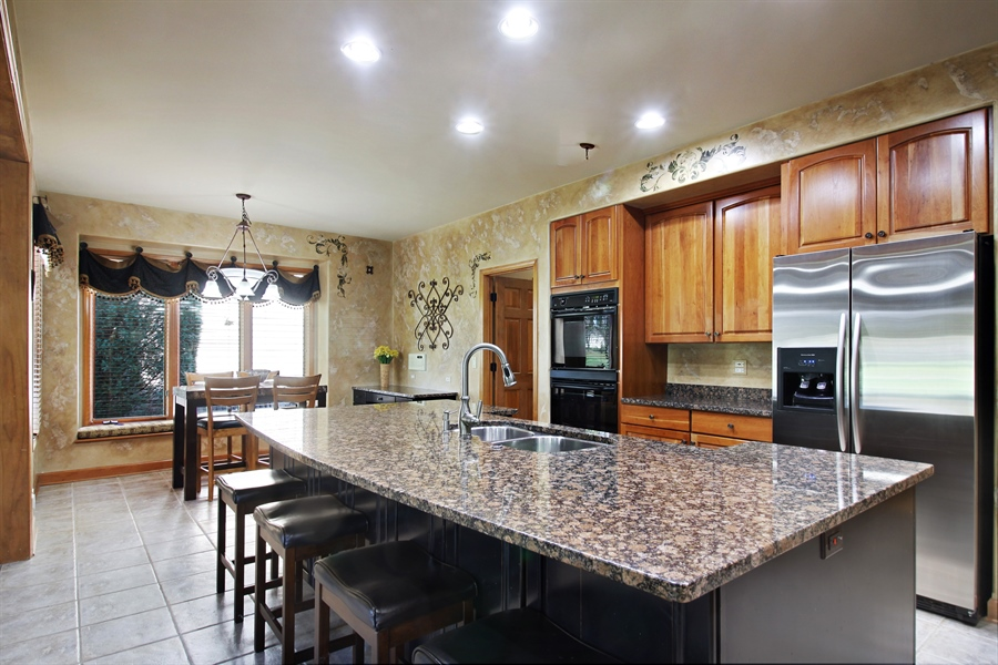 Real Estate Photography - 1084 CHADWICK Court, Aurora, IL, 60502 - Kitchen / Breakfast Room