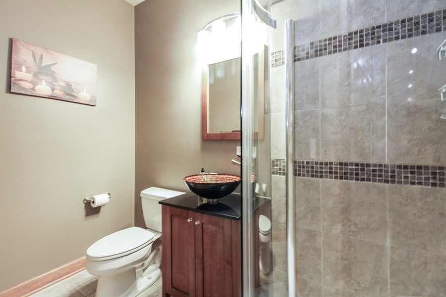 Real Estate Photography - 1084 CHADWICK Court, Aurora, IL, 60502 - Bathroom